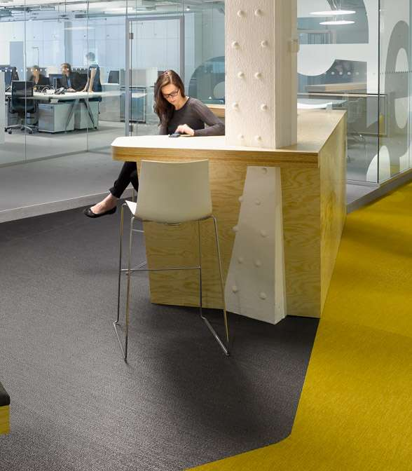 Bolon flooring in the office of Breuninger in Stuttgart, Germany